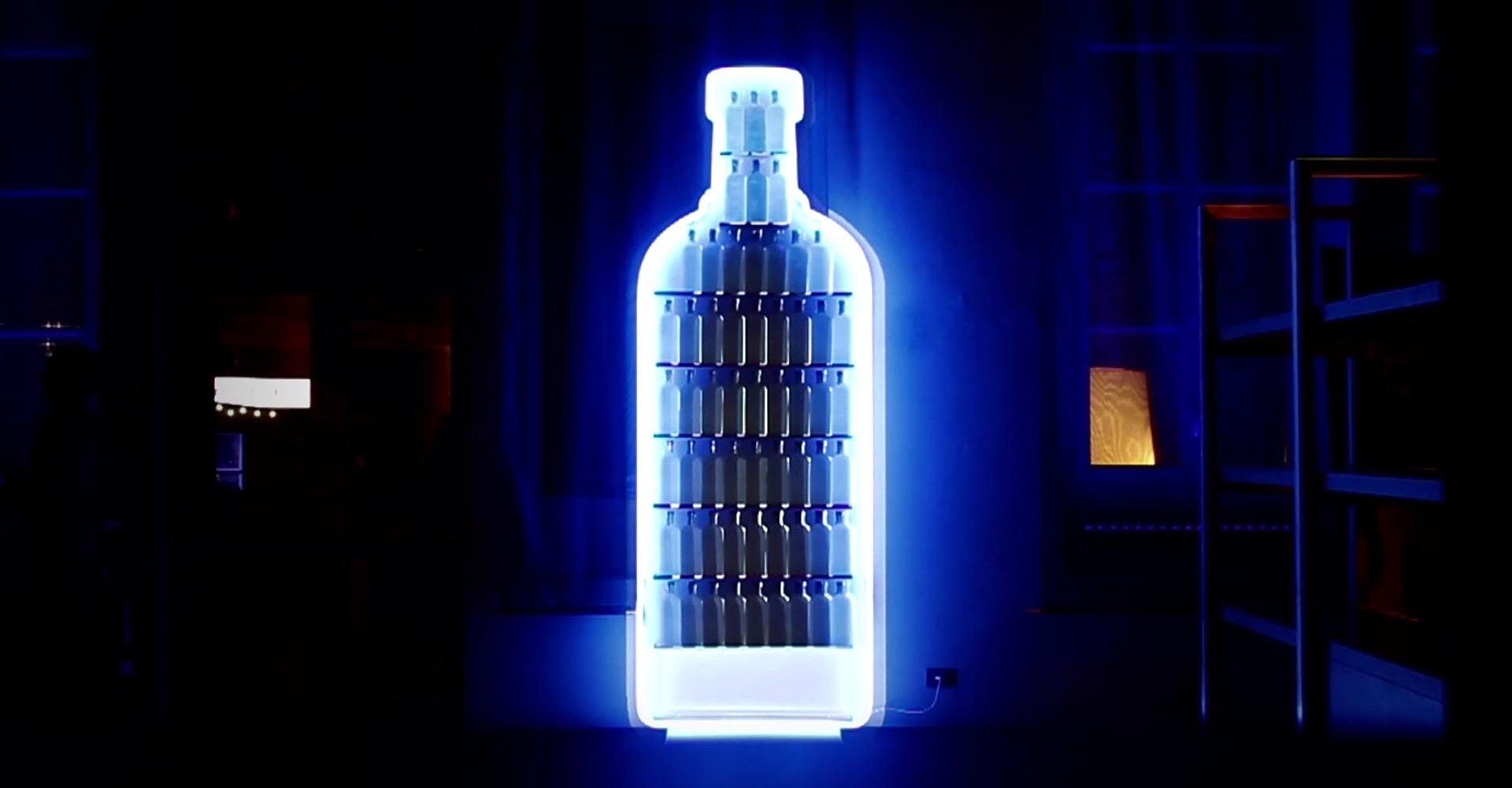 ultravioletto_Club-2-Club-Interactive-Installation-Absolut-Vodka-5