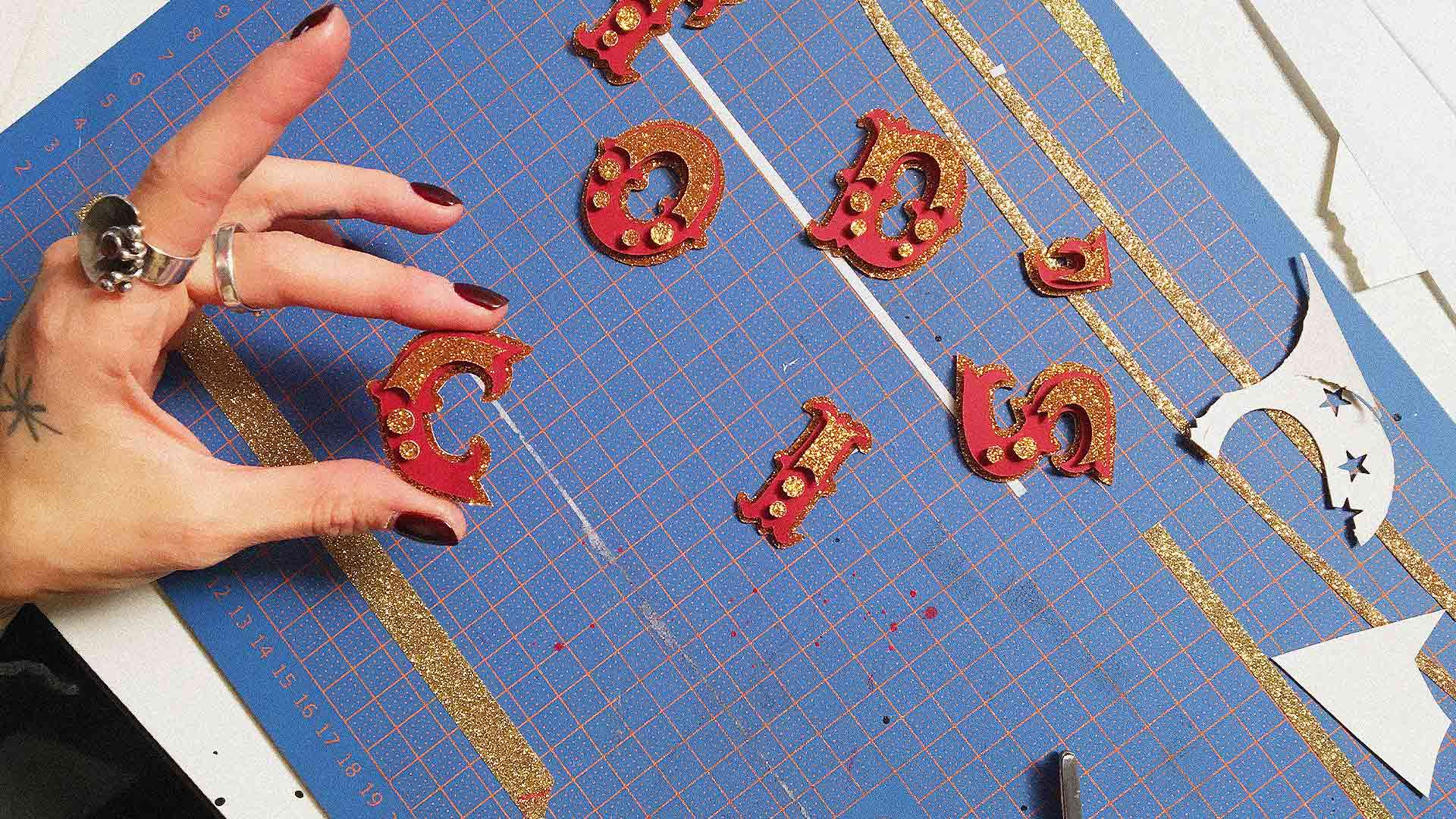 ultravioletto_tods_circus_crafting