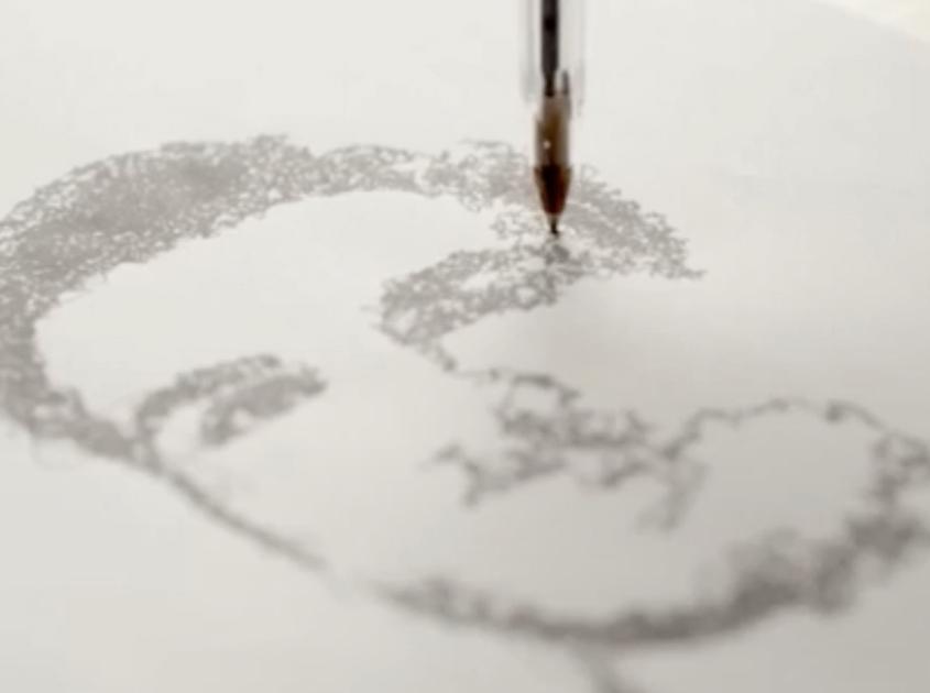 robot_drawing_MobileCloseup